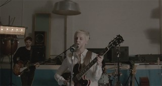 laura-marling-i-feel-your-love