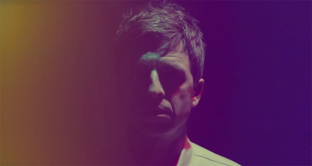 noel-gallagher-in-theheat-of-the-moment
