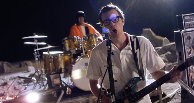 weezer-back-to-the-shack